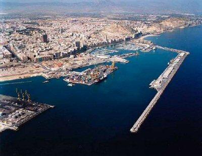 Viajes a Alicante: vista aérea del puerto de Alicante