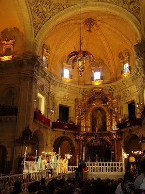 Vuelos a Alicante: interior de la Basílica de Santa María
